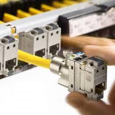 cableur-informatique-2